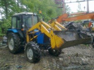 Трактор Беларус 8211