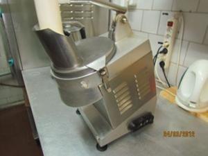 Промышленная соковыжималка для цитрусовых