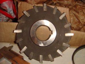 Продаем металлорежущий инструмент