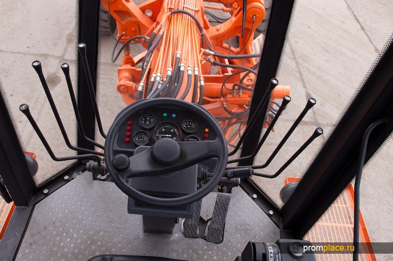 Автогрейдер ДЗ 98В.00100-110