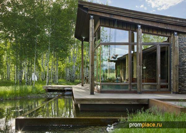 Дом на болотистой местности
