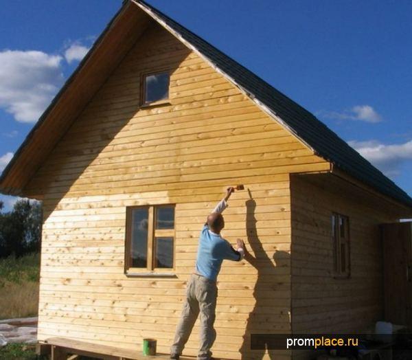Окраска деревянного дома акрилатныым красящим составом