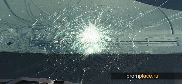 Лобовое стекло при аварии