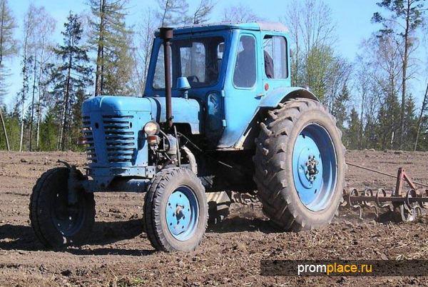 Трактор капотного типа