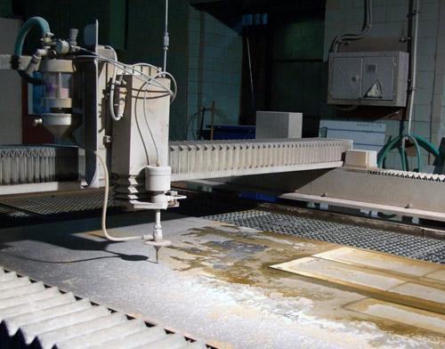 Водоструйная и гидроабразивная резка металла
