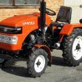 Уралец 220 - малогабаритный трактор для широкого спектра сельхозработ