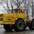 Тысячи тракторов К 701 трудились на полях Советского Союза